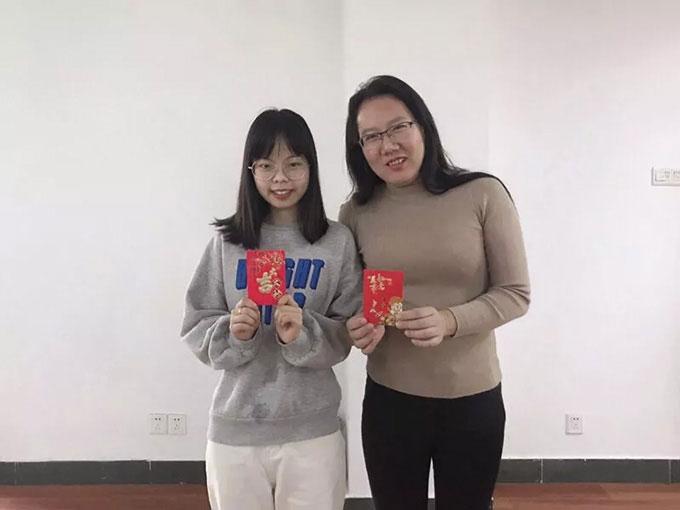 易网科技开展深圳东部华侨城2日团体游-颁奖小仪式